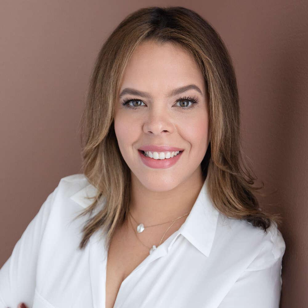 Karina Cabrera Bell